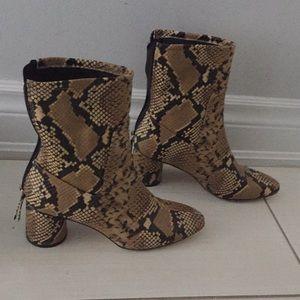 Zara Snakeskin motif Boot